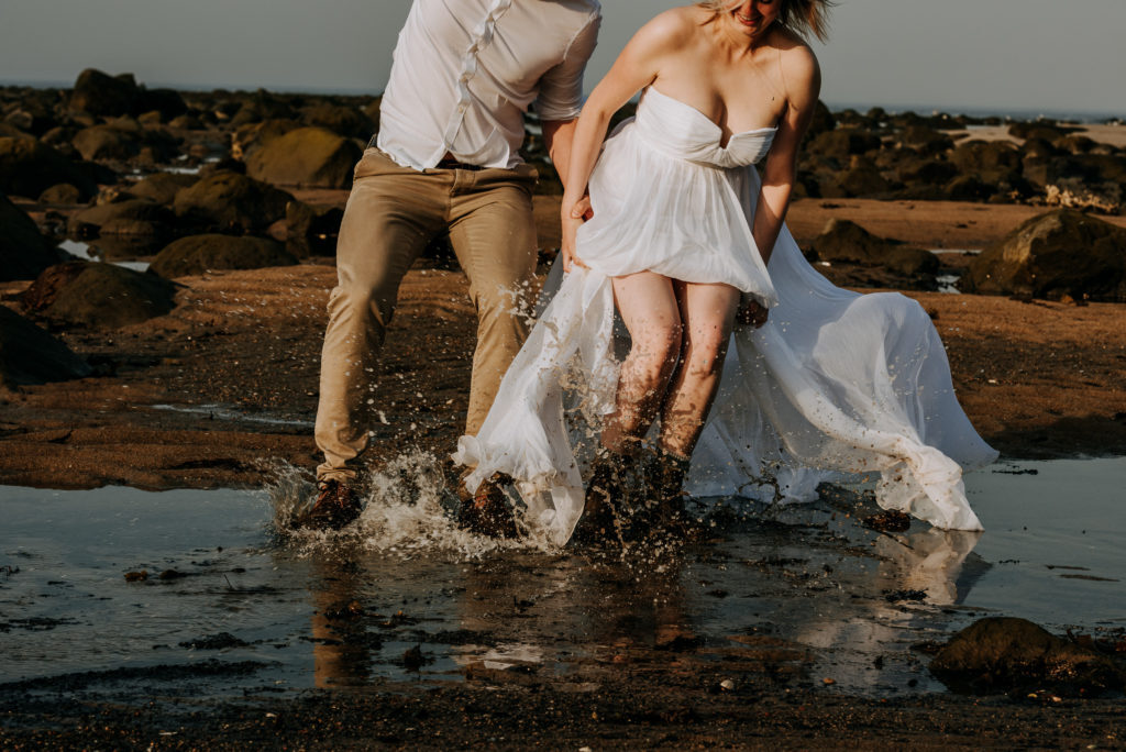 love-is-nord-photographe-mariage-intime-quebec-elopement-intimate-wedding-fleuve-mer-0034-1024x684